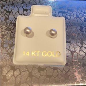 14k yellow Gold 4mm  white Pearl Stud Earrings